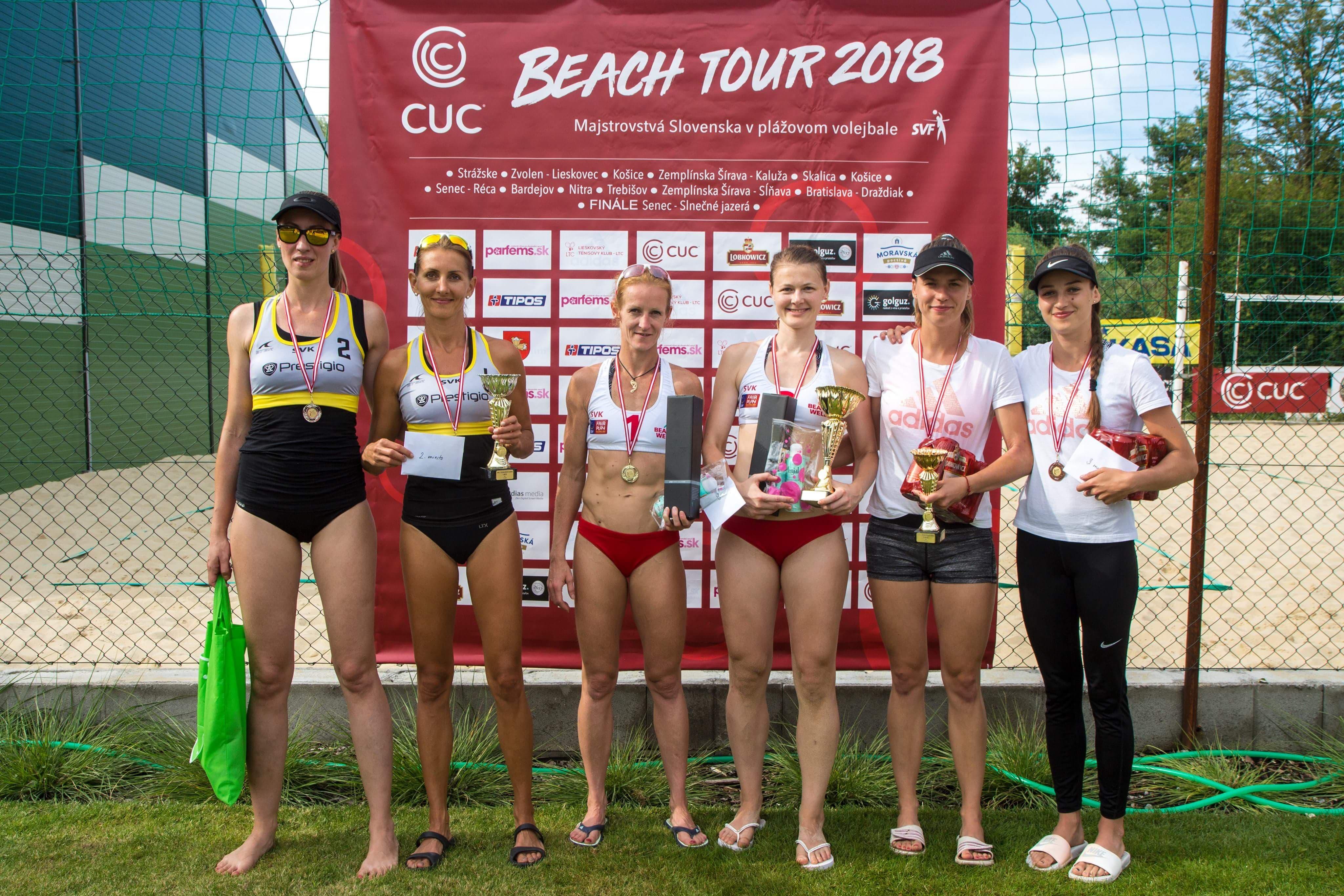 Najlepšie tri dvojice ženského finále v Lieskovci. FOTO: J. Tužinská