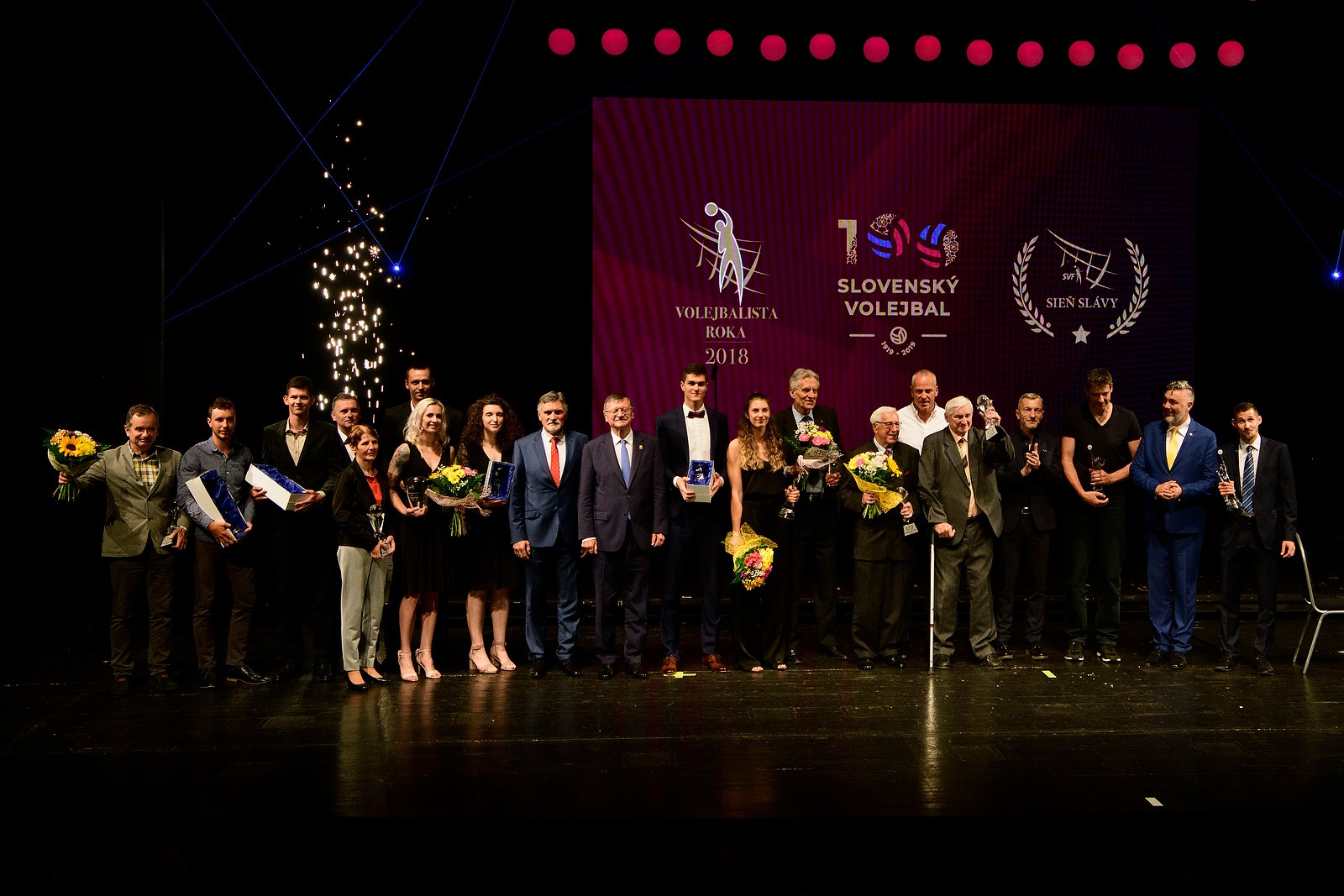 Všetci ocenení na skvelom Gala v nitrianskom Divadle Andreja Bagara. FOTO: Radoval Stoklasa
