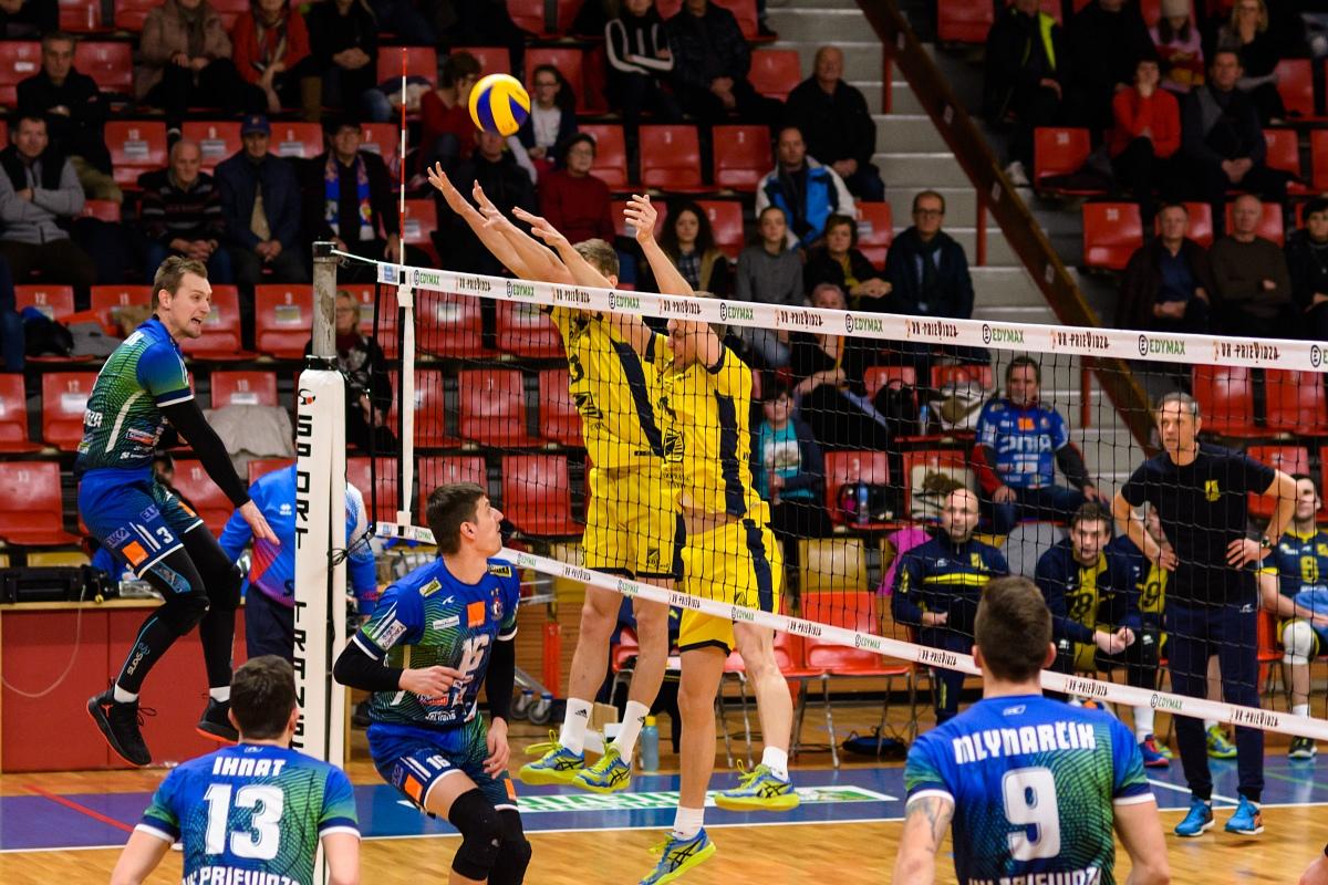 V útoku domáci kapitán Prievidze Milan Javorčík. FOTO: Ivan Valko