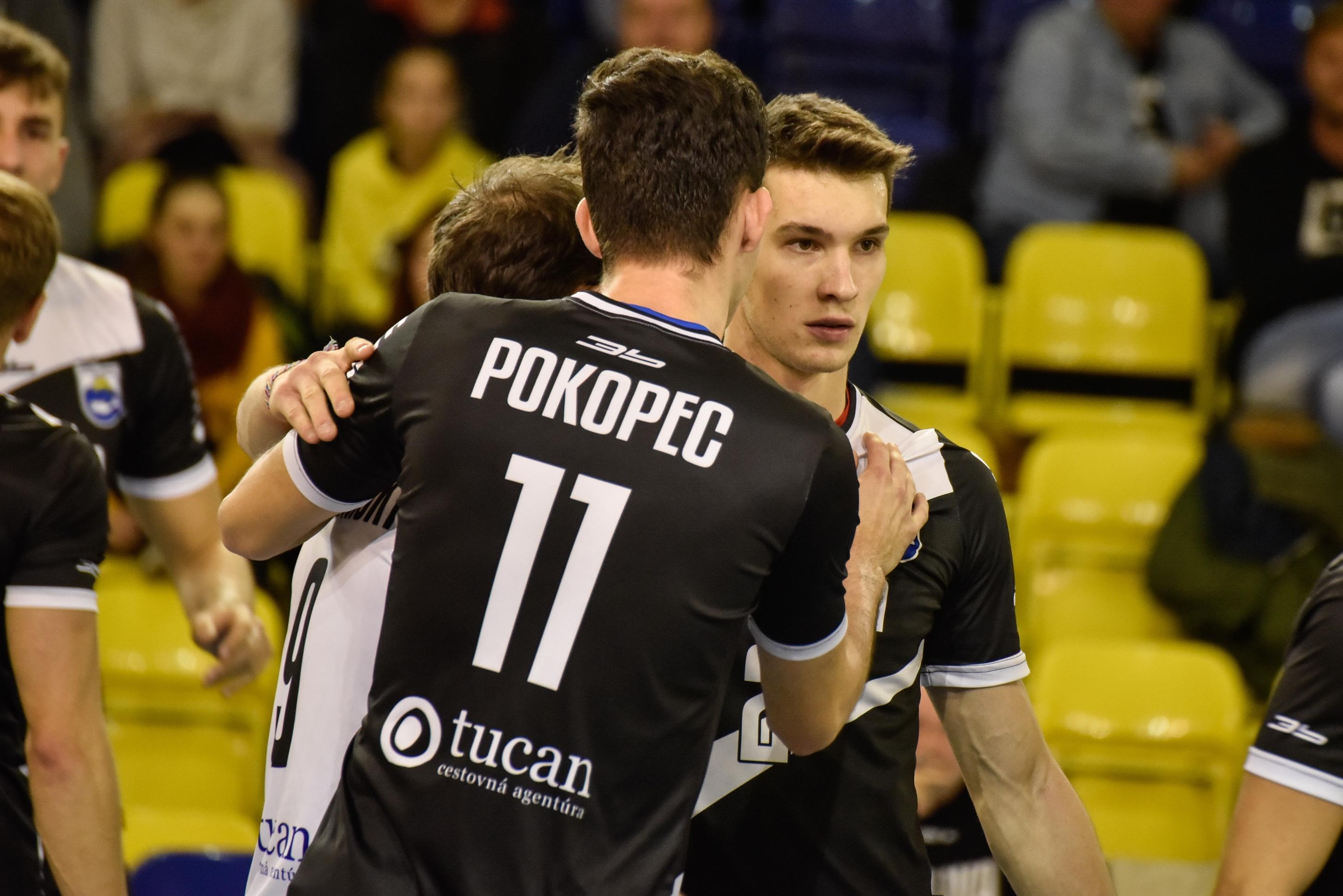 Patrik Pokopec a Erik Watzka ťahajú ofenzívu Myjavy. FOTO: Róbert Fritz.